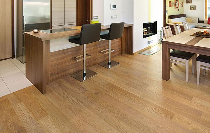 Laminate oak engineered flooring