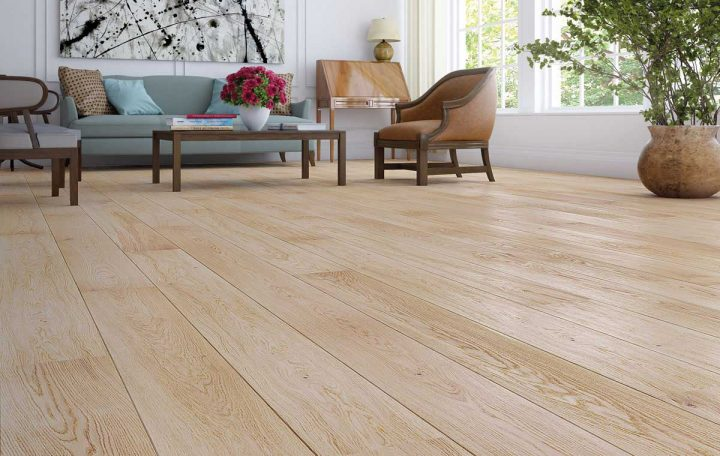 Natural oak wood laminate flooring